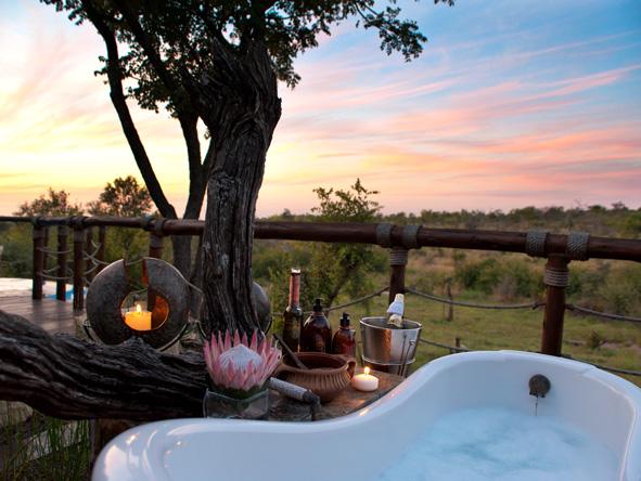 Madikwe, romantic sunset bath