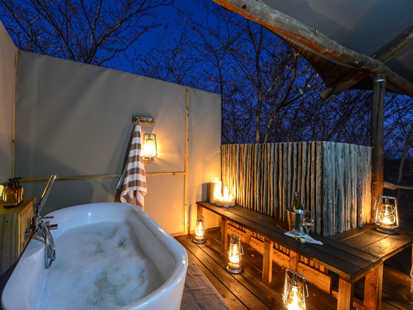Tokya Leya, outdoor bathroom
