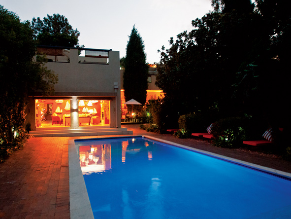 The Residence, swimming pool