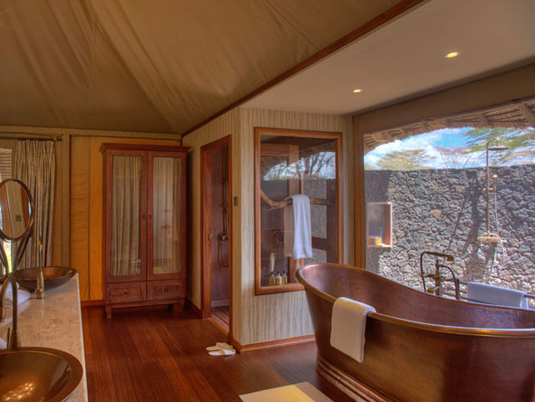 en-suite bathroom,copper bathtub and outdoor shower