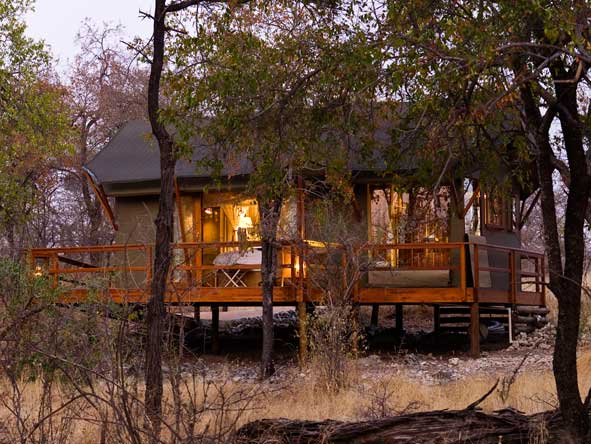 private suites at Mushara Outpost