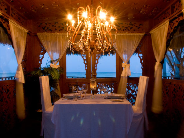 private dining at Breezes Beach Club and Spa