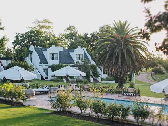 Kurland estate, lawns and swimming pool