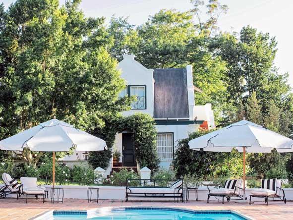 Kurland estate, swimming pool