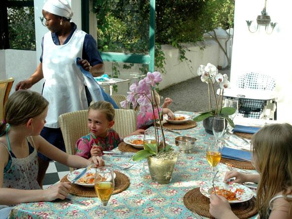 Children dining at Kurland Estate