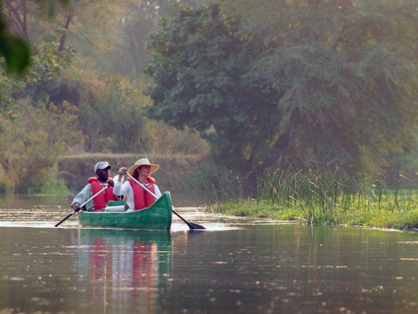 guided canoe ride, Zambia