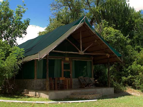 tented chalets at Mvuu Camp