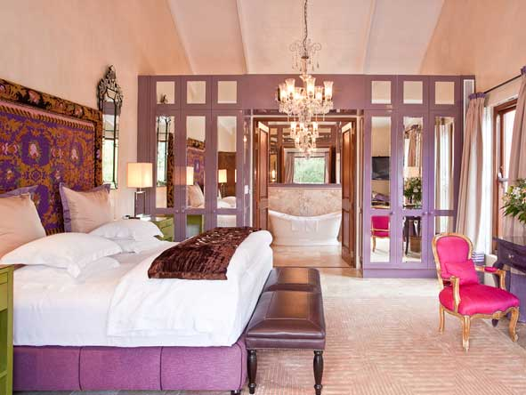 Vineyard Suite 5, purple decor