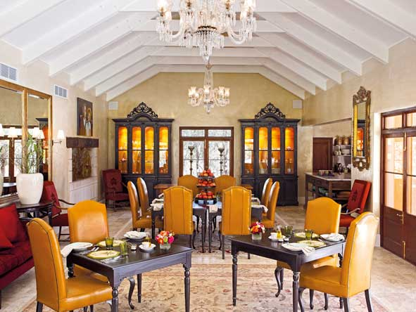 la residence, dining room