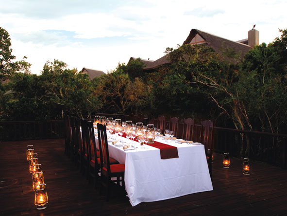Private outdoor dining, Kichaka Private Game Lodge