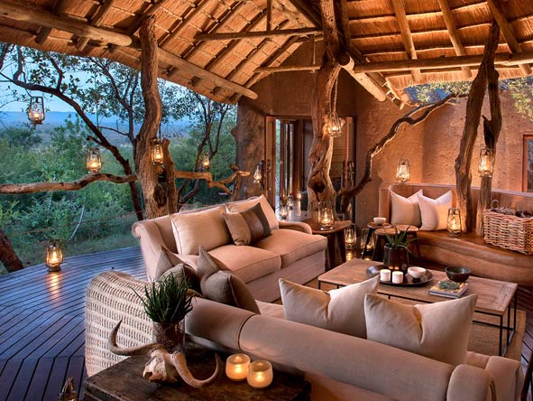 Madikwe outdoor viewing deck and lounge