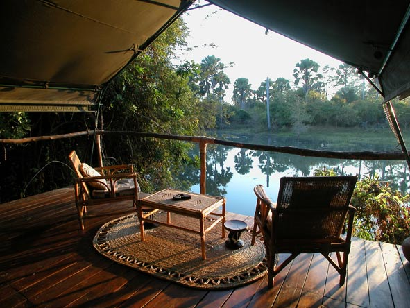 Mvuu Lodge, river