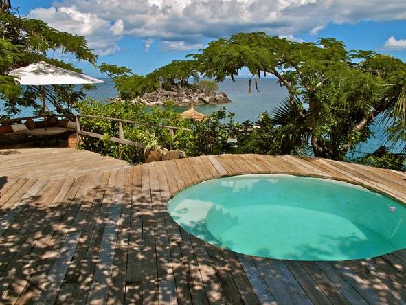 Kaya Mawa Lodge, pool deck