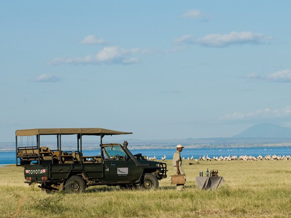 Lake manyara, safari vehicle