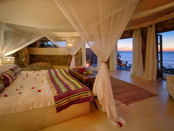 Ndomo Point private villa, luxury suite