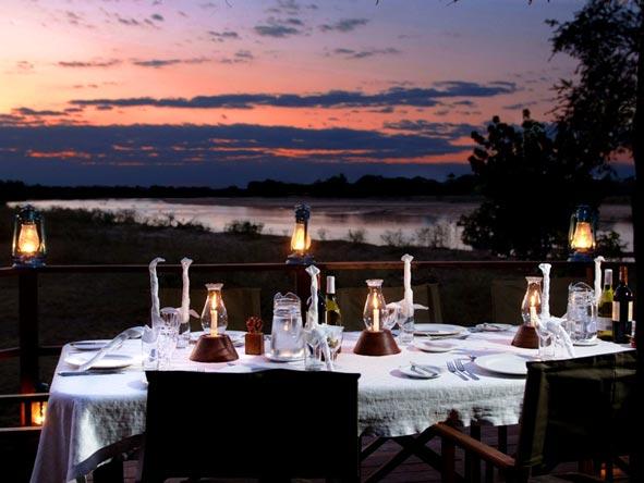 kakuli bush camp, outdoor dining