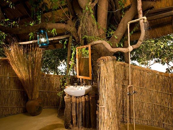 kakuli bush camp, outdoor shower