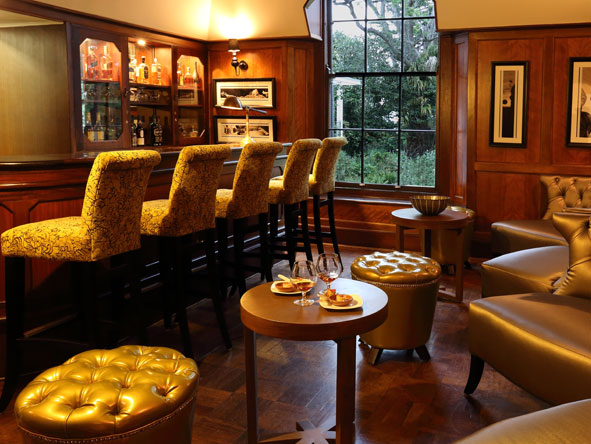 fancourt Manor house, bar
