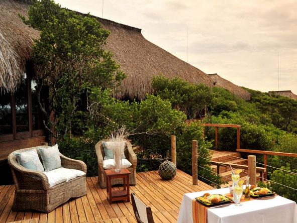 Machangulo Beach Lodge, outdoor deck