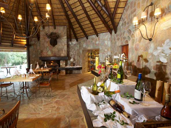 indoor dining area, kapama buffalo camp