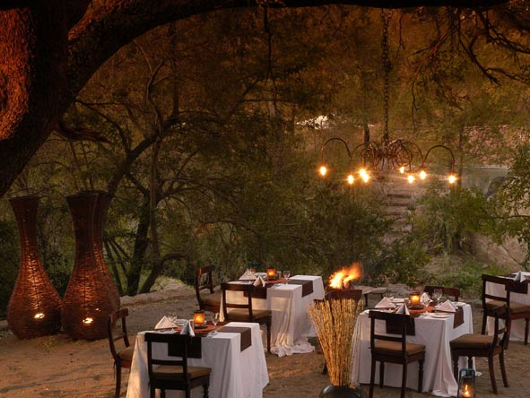 Sabi Sabi Little Bush Camp, romantic candle lit dinner