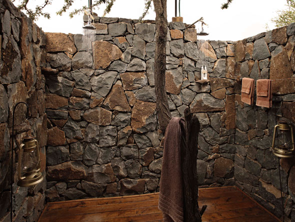 Outdoor shower, Naboisho Camp