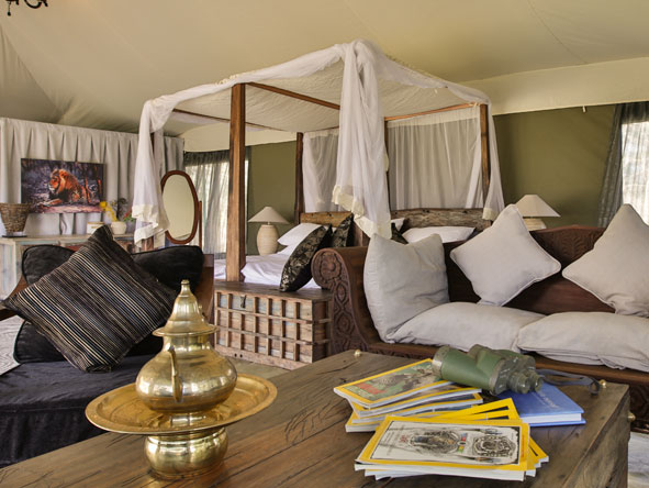 luxury bedroom suite, Nasikia Naona Moru Camp