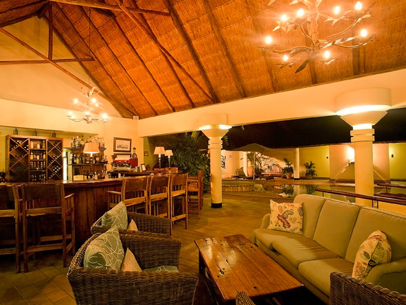 poolside bar, Ilala Lodge