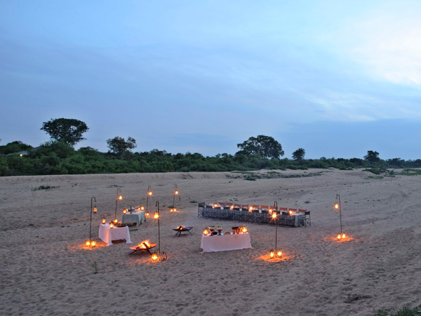dining under the stars, timbavati riverbed
