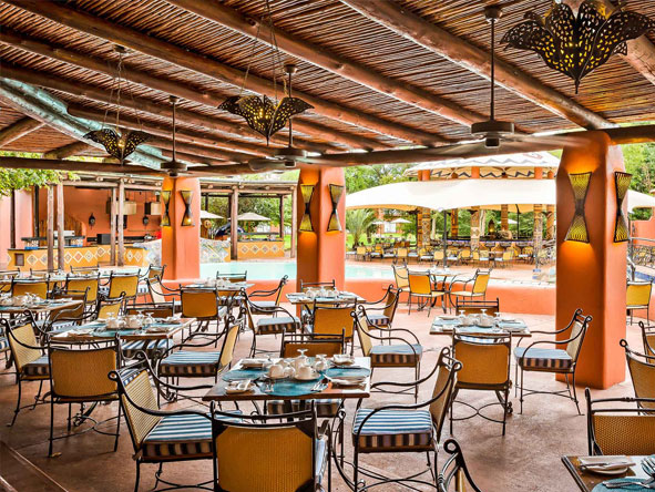 Poolside Grill & Bar