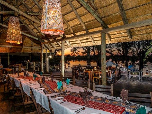 Dining area Hyena Pan