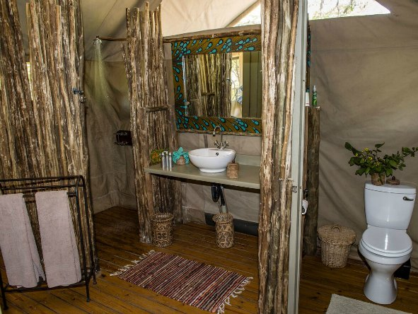 Hyena Pan bathroom