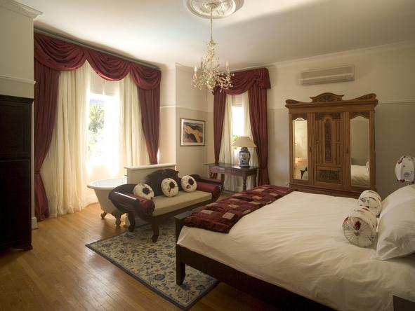 Abbey Manor Luxury Guest House - bedroom