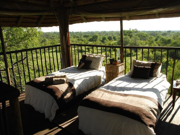 Africa on Foot - Bedroom2