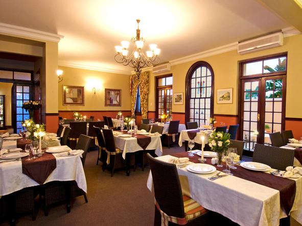 Audacia Manor - dining room