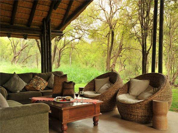 Black Rhino Game Lodge - Patio