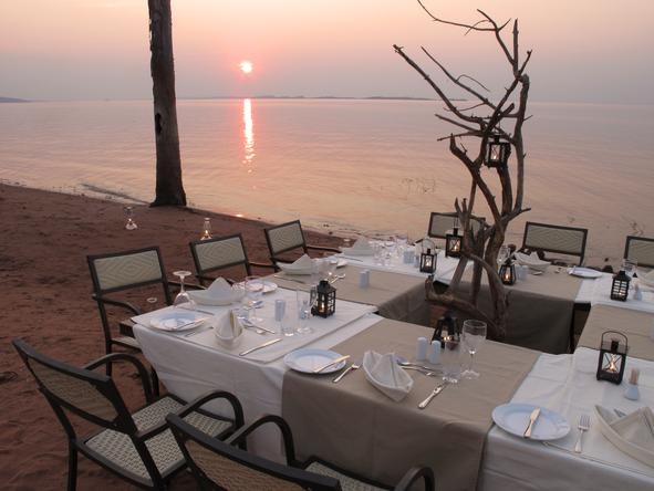 Bumi Hills Safari Lodge - Dining