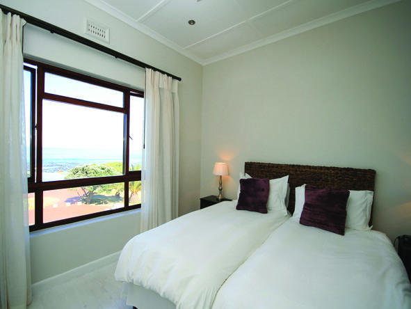 Camps Bay Resort - bedroom 3
