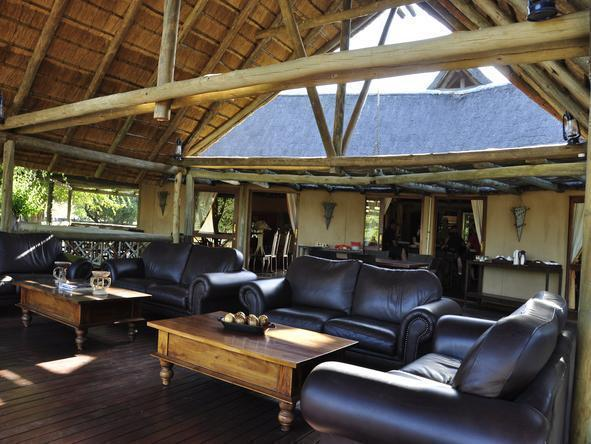 Deception Valley Lodge - Outside Lounge