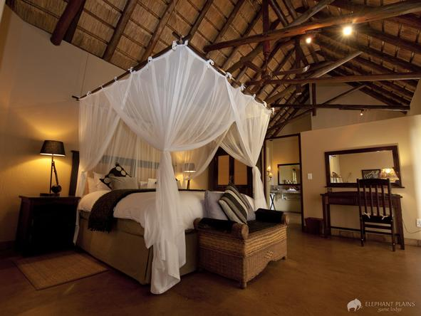 Elephant Plains Game Lodge - bedroom 2