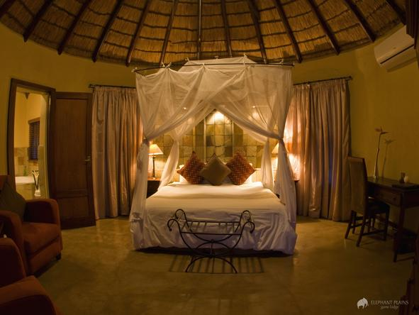 Elephant Plains Game Lodge - bedroom