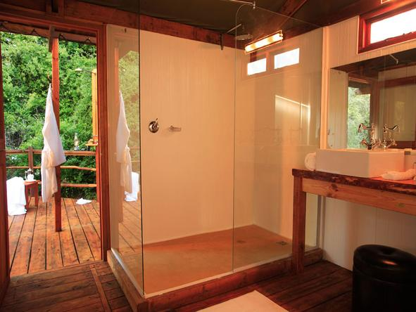 Elephant Safari Lodge - Bathroom