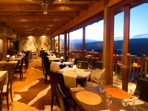 Emily Moon River Lodge - Dining