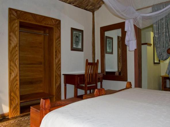 Engagi Lodge - Bedroom