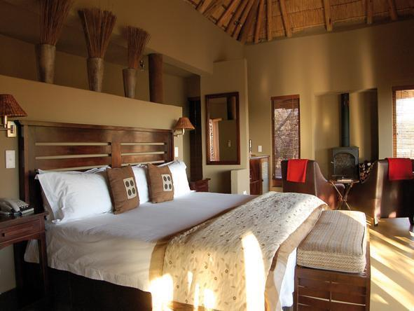 Etali Safari Lodge - Bedroom