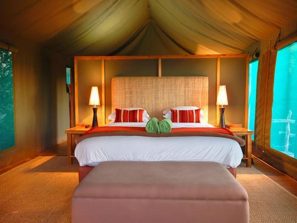 HillsNek Safaris - Bedroom1