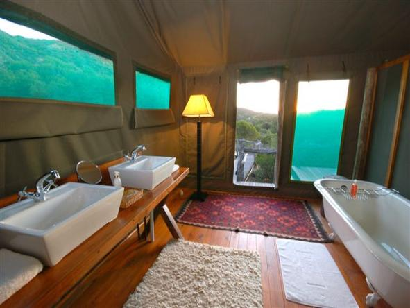 HillsNek Safaris - Bathroom