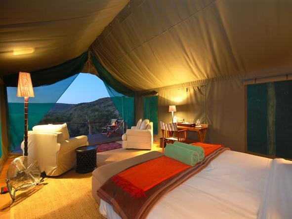 HillsNek Safaris - Bedroom2