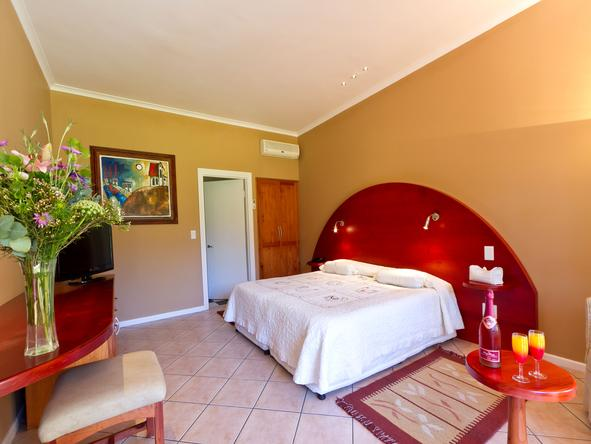 Hlangana Lodge - Bedroom2