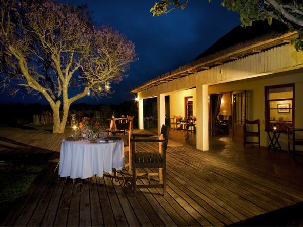 Hlosi Game Lodge - Dining